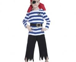 ハロウィン仮装の男の子